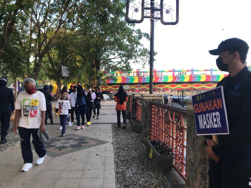 Siring Menara Pandang Tetap Diserbu Pengunjung, Satpol PP Banjarmasin Langsung Bertindak